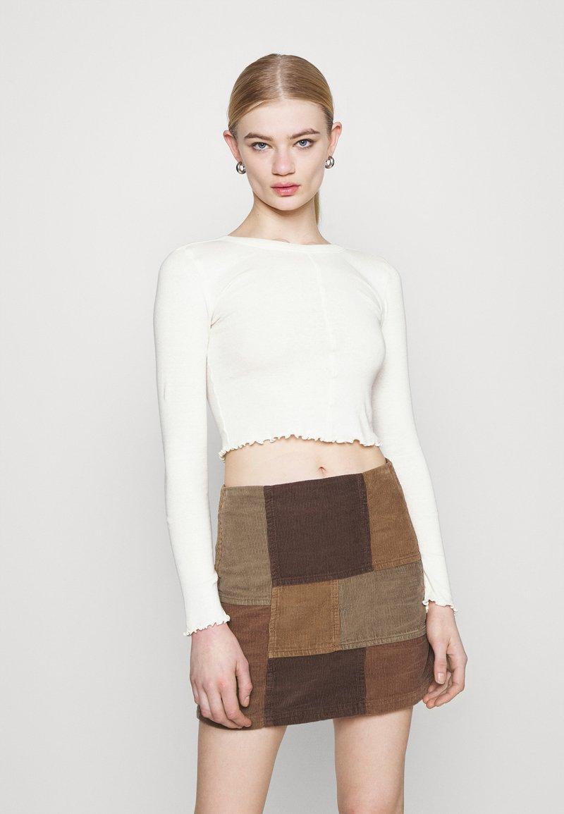 BDG Urban Outfitters - CAMILLA - T-shirt à manches longues - cream