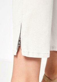 TONI - Trousers - white - 1
