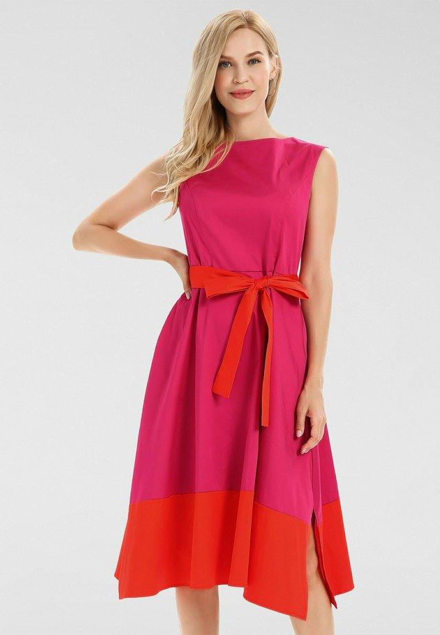 Robe de soirée - pink/orangerot