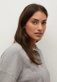 Violeta by Mango - ATHUR - Polo shirt - grau - 3