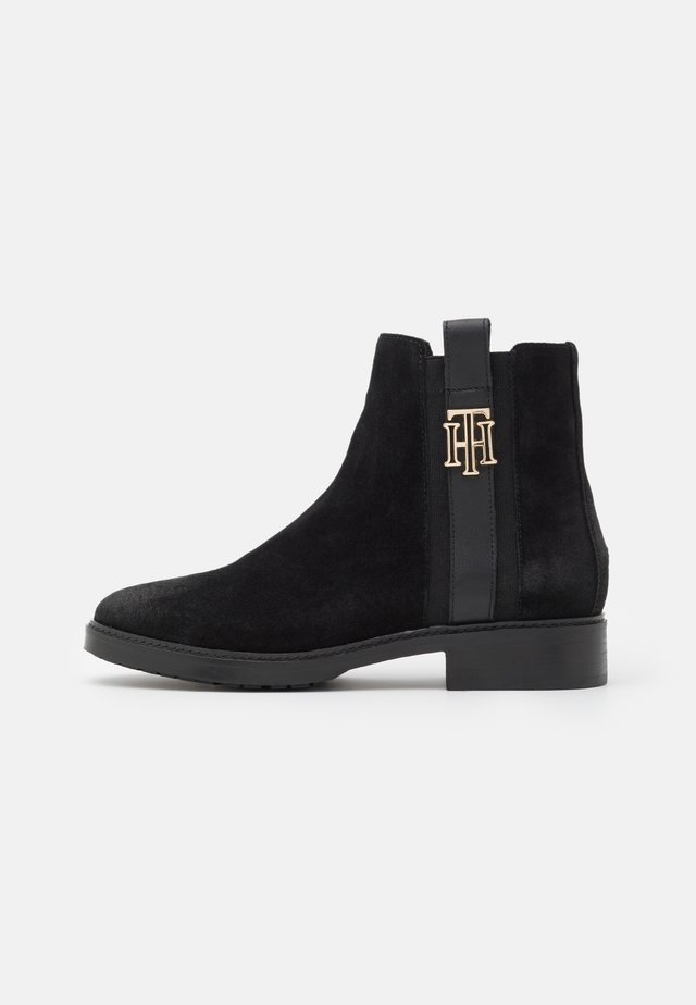 INTERLOCK BOOT - Classic ankle boots - black