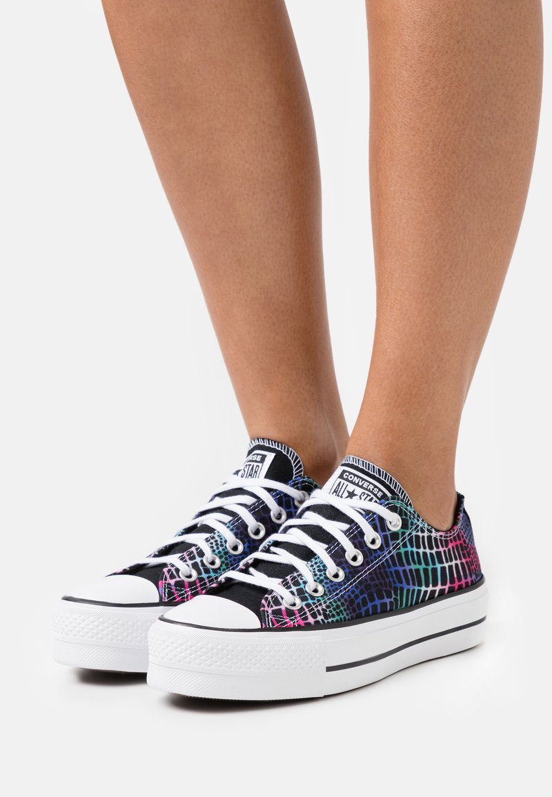Converse - CHUCK TAYLOR ALL STAR LIFT - Joggesko - pink/court green/white