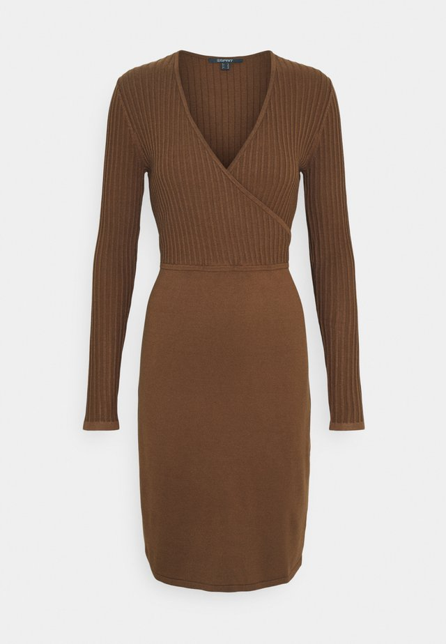DRESS - Etuikjole - toffee