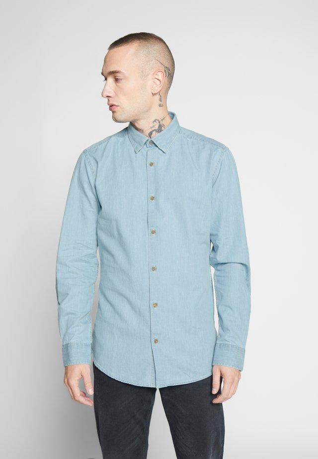ONSASK CHAMBRAY - Shirt - light blue denim