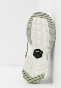 Merrell - BOULDER RANGE - Hiking shoes - foam/laurel - 4