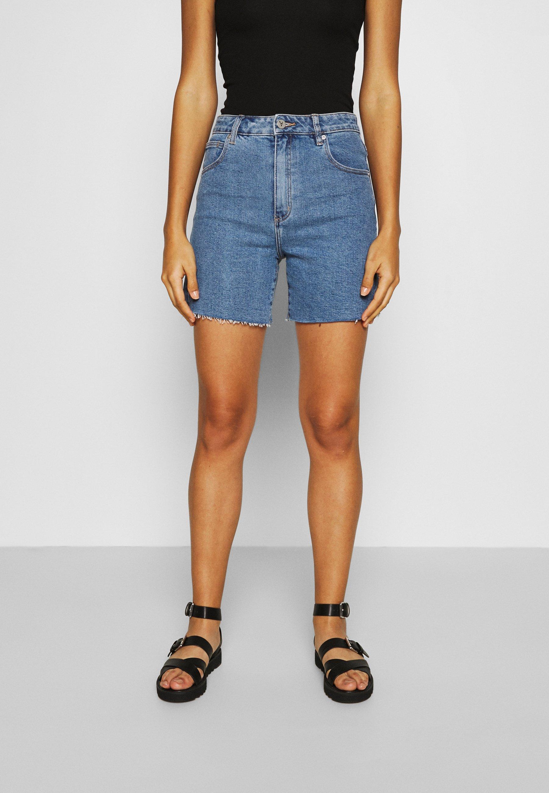 Women A CLAUDIA CUT OFF - Denim shorts