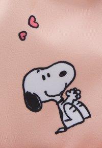 Kidzroom - BACKPACK SNOOPY LITTLE FRIENDS UNISEX - Rucksack - peach - 3