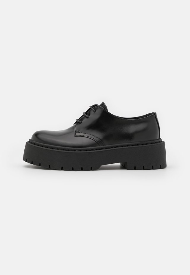 FREEING CHUNKY SOLED LACE UP - Nauhakengät - black