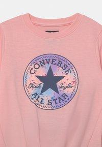 Converse - PRINT FILL CHUCK PATCH SET - Sweatshirt - storm pink - 3