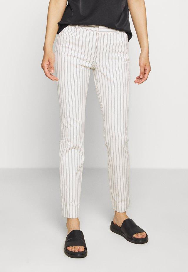 MODERN SLOAN BELLENSTRIPE - Trousers - white/navy