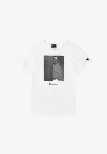 CHAMPION X ZALANDO GRAPHIC - Camiseta estampada - white