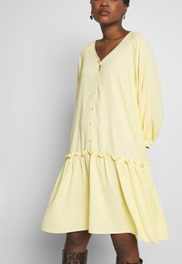 Love Copenhagen - BROLC DRESS - Shirt dress - jojoba yellow - 3