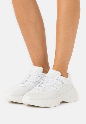 RUBINO  - Trainers - bianco brill