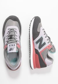 New Balance - WL574 - Zapatillas - purple - 3