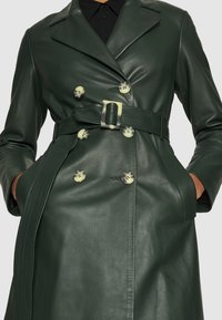 IVY & OAK - Trenchcoat - iris leaf - 7