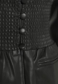 Missguided - SHIRRED WAIST - Blazer - black - 2