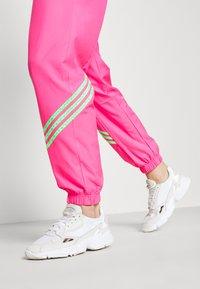 adidas Originals - SWAROVSKI TRACK PANT - Träningsbyxor - solar pink - 3