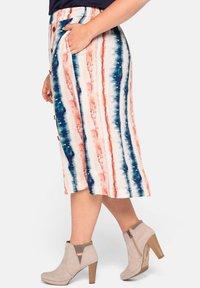 Sheego - A-line skirt - weiß bedruckt - 4