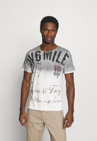 Key Largo - T-shirt con stampa - silver - 0