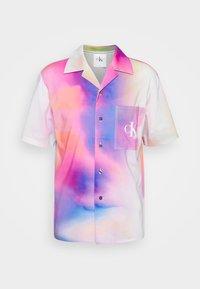 Calvin Klein Jeans - PRIDE OVERSHIRT UNISEX - Shirt - pride marble - 5