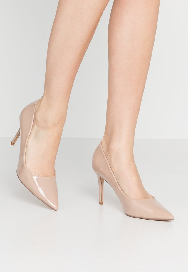 DELE POINT COURT - Zapatos altos - nude