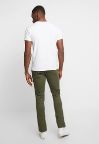 GAP - ESSENTIAL - Chino kalhoty - black moss - 2