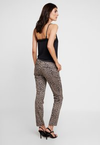 comma - Trousers - taupe - 2