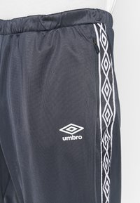 Umbro - ACTIVE STYLE TAPED TRACKSUIT - Tracksuit - indian ink/white - 8