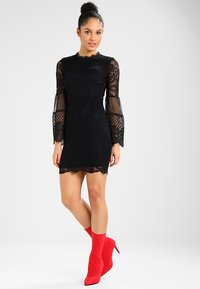 WAL G. - DETAIL MINI DRESS - Vestido de cóctel - black - 1