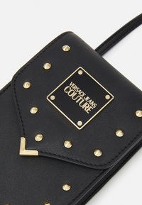 Versace Jeans Couture - STUDS REVOLUTION CROSSBODY - Kabelka - nero - 5