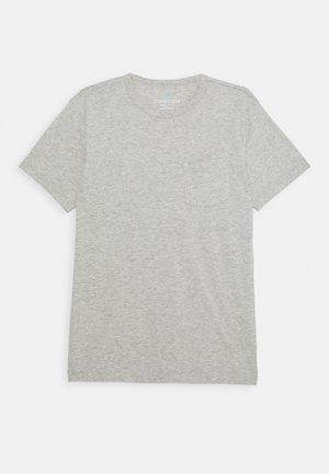 TIE DYE POCKET TEE - Print T-shirt - heather dusk