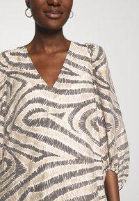Second Female - DRESS - Denní šaty - humus - 5
