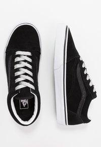 Vans - OLD SKOOL - Sneakersy niskie - glitter/black/true white - 0
