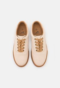 Grand Step Shoes - VENDETTA - Trainers - offwhite - 5