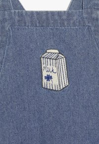 Soft Gallery - FRISCO DUNGAREES MILKY - Dungarees - denim blue - 3