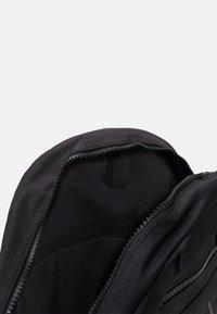 Armani Exchange - URBAN TECH BACKPACK - Batoh - black - 2