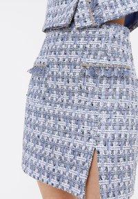 Uterqüe - MIT AUSGEFRANSTEN - Pleated skirt - blue - 3