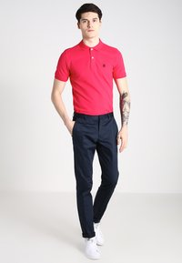 Selected Homme - SLHARO EMBROIDERY - Polotričko - rose red - 1