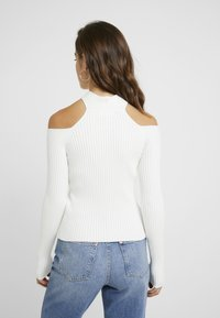 4th & Reckless Petite - STATE LONG SLEEVED HALTERNECK JUMPER WITH CROSS  - Jumper - white - 2