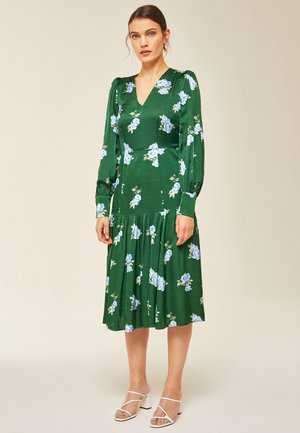 PUFFY DRESS MIDI - Day dress - green