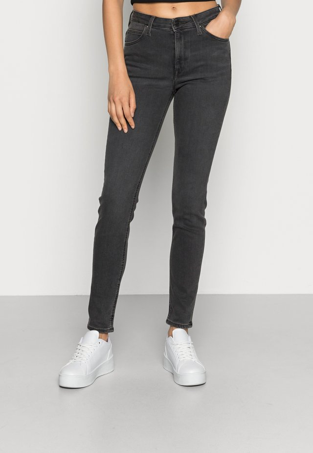 SCARLETT HIGH - Jeansy Skinny Fit - black bucklin