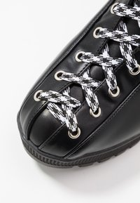 co wren - Platform ankle boots - black - 2