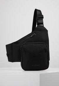 Han Kjobenhavn - TRIANGLE BAG - Borsa a tracolla - black - 0