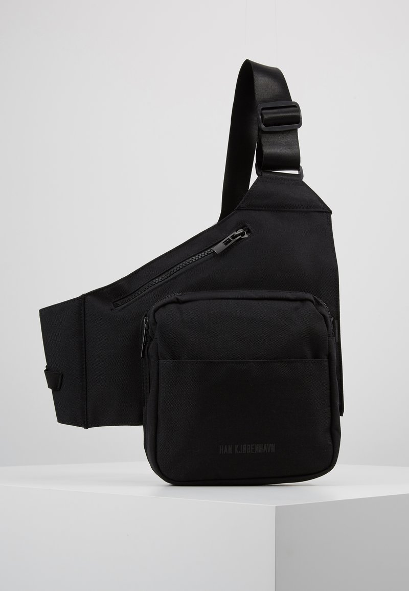 Han Kjobenhavn - TRIANGLE BAG - Borsa a tracolla - black