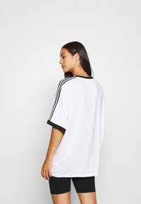 adidas Originals - TEE - Triko spotiskem - white - 2