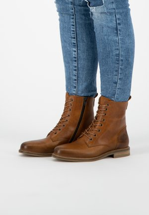 VERSAILLES  - Lace-up ankle boots - cognac