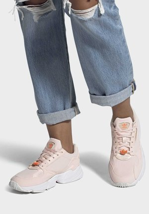 SHOES - Sneakers basse - pink