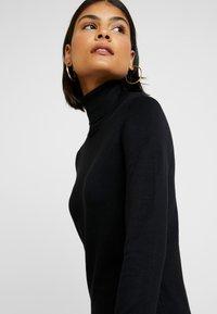 Saint Tropez - DRESS HIGH NECK - Abito in maglia - black - 4