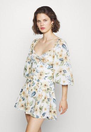 FLEURETTE MINI DRESS - Vapaa-ajan mekko - floral print