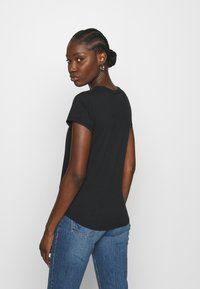 Abercrombie & Fitch - KNOTTED MIDI - Print T-shirt - black - 2